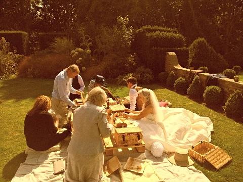 Katrina and Howards Individual Picnic Wedding